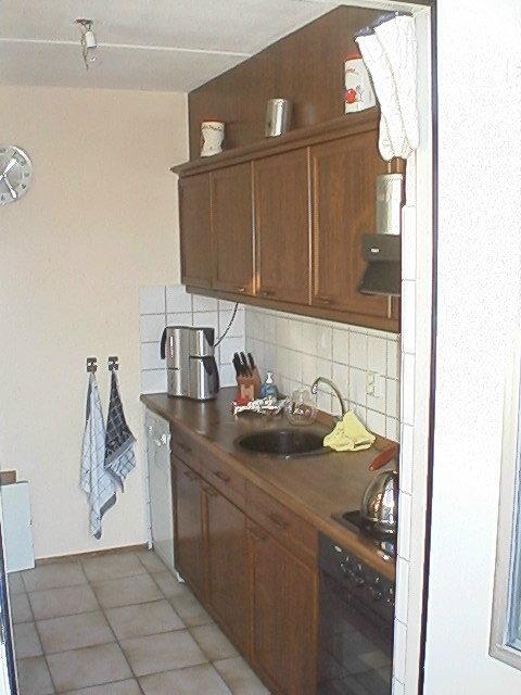 Oude keuken nieuwe deurtjes - Keuken in het oude huis ...